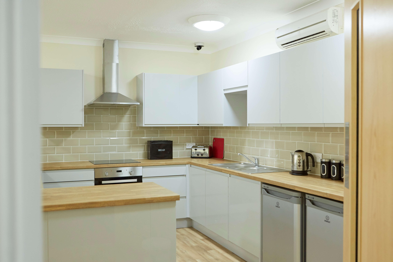 Giffords Kitchen 03